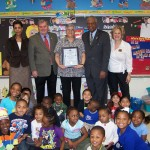Paraprofessional_Honoree_with_Mayor_Robinson_at_Pointer_Ridge_ES